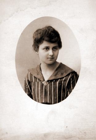 Elzbieta Nowosielska